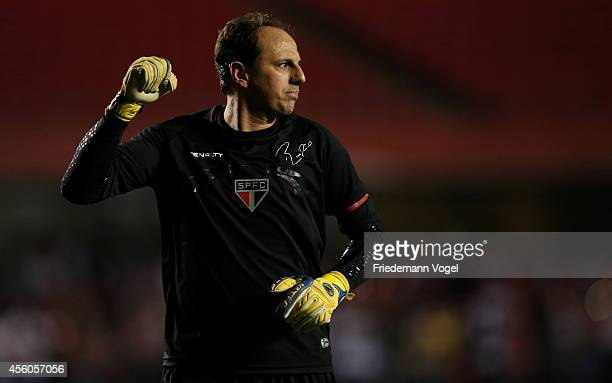 Rogerio Ceni of Sao Paulo celebrates scoring the first goal during the match between Sao Paulo and Flamengo for the Brazilian Series A 2014 at...