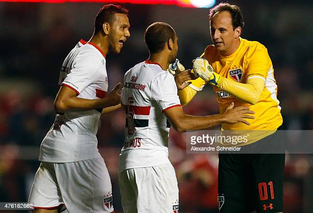 Rogerio Ceni of Sao Paulo celebrates their second goal during the match between Sao Paulo and Gremio for the Brazilian Series A 2015 at Morumbi...