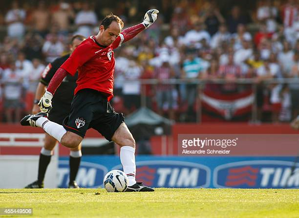 Rogerio Ceni of Sao Paulo scores their first goal during the match between Sao Paulo and Cruzeiro for the Brazilian Series A 2014 at Morumbi stadium...