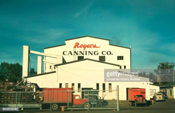 Rogers Canning Co Canning Plant MiltonFreewater Oregon USA Russell Lee for Farm Security Administration Office of War Information July 1941