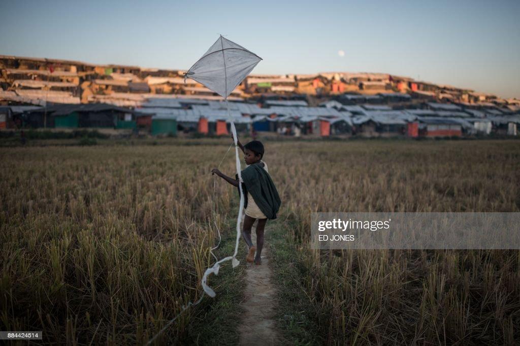 BANGLADESH-MYANMAR-UNREST-REFUGEE-ROHINGYA-MALNUTRITION-CHILDREN : Nachrichtenfoto