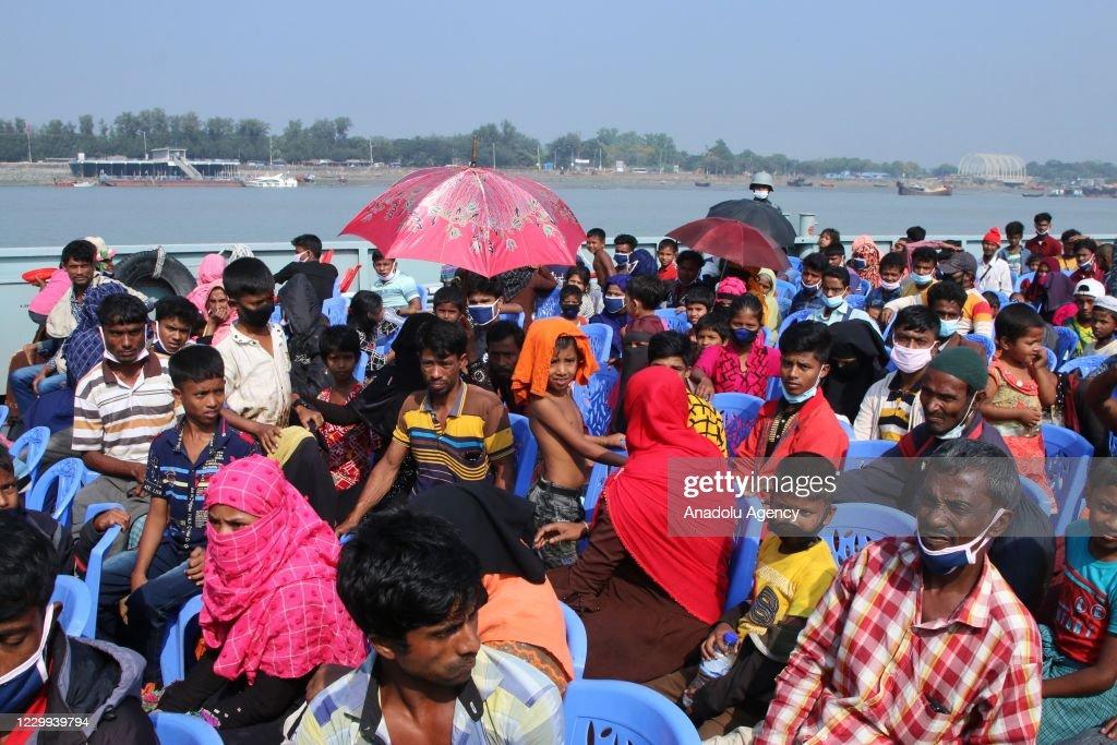 Rohingya people move to Bhashan Char Island... : News Photo