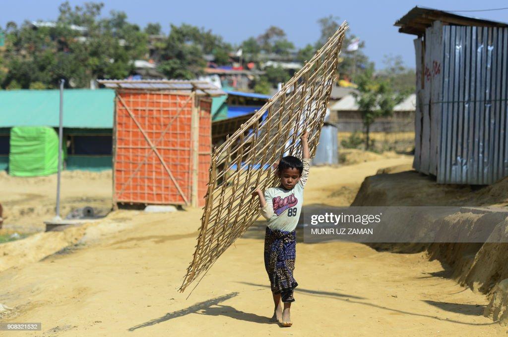 BANGLADESH-MYANMAR-UNREST-ROHINGYA-REFUGEE : Nachrichtenfoto