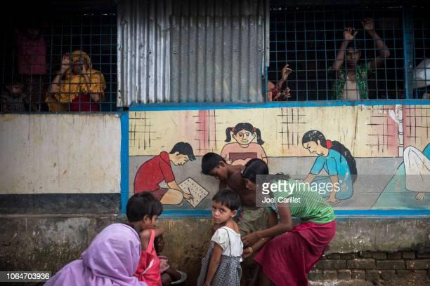 rohingya-vluchtelingen in bangladesh - bangladesh stockfoto's en -beelden