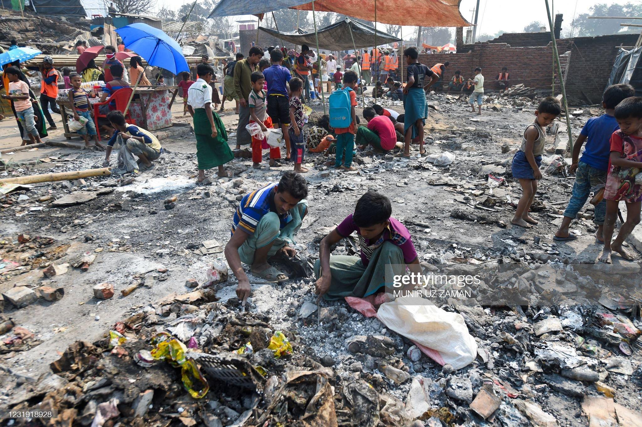 BANGLADESH-MYANMAR-ROHINGYA-REFUGEE-FIRE : News Photo
