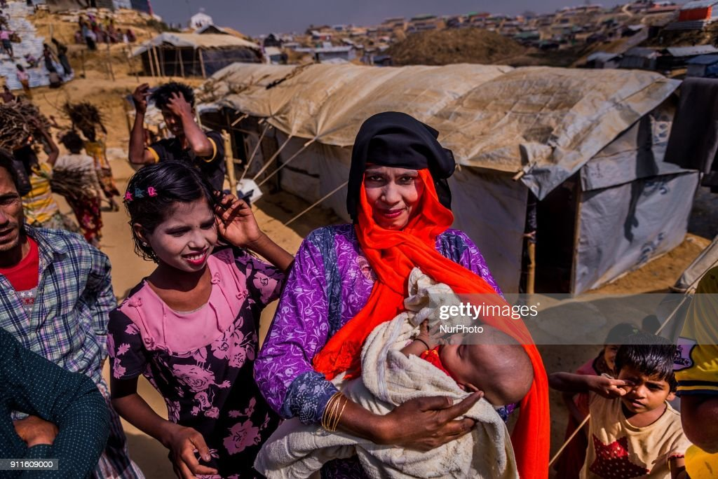 Mothers and children in Rohingya camp : News Photo