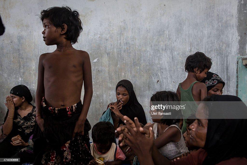 Hundreds More Rohingya Refugees Arrive In Indonesia : Nachrichtenfoto