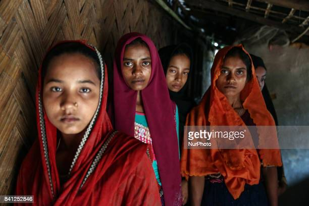 Rohingya women arrive in kutupalong makeshift camp in cox's bazar These girl had to pay broker to cross the broder on 30 August 2017 UN refugee...