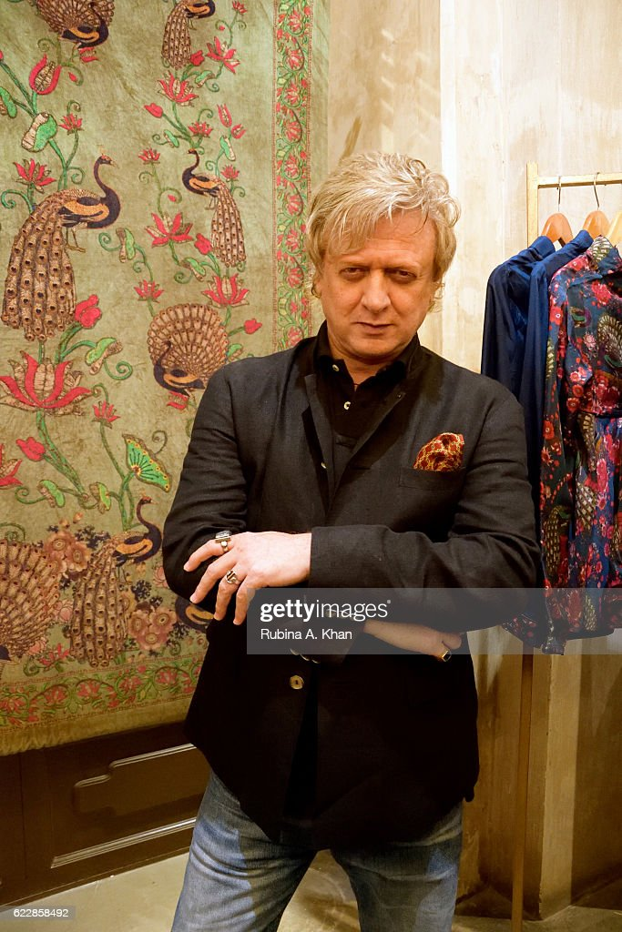 Rohit Bal Launches Husn E Taairaat Home Collection With Good Earth : News Photo