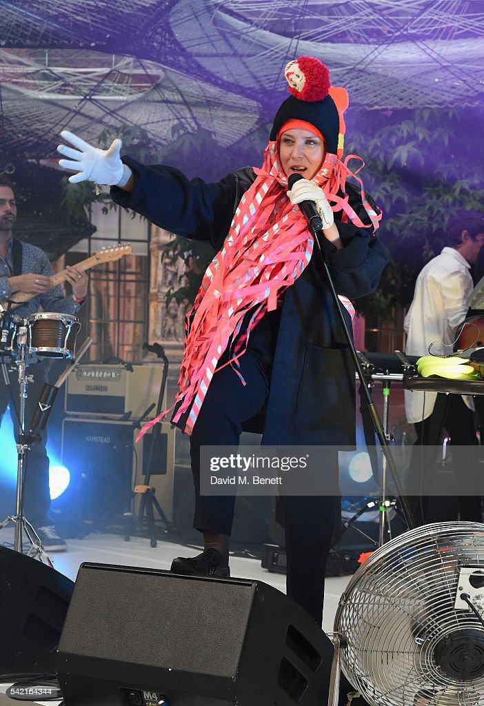 Roisin Murphy performs at the 2016 V&A Summer Party In Partnership with Harrods at The V&A on June 22, 2016 in London, England.