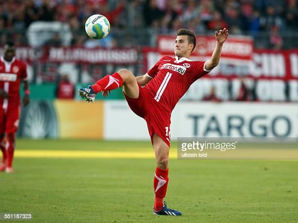 Rok Elsner Einzelbild Freisteller Aktion FC Energie Cottbus DFB Pokal Sport Fußball Fussball Stadion der Freundschaft Cottbus Herren Saison 2014