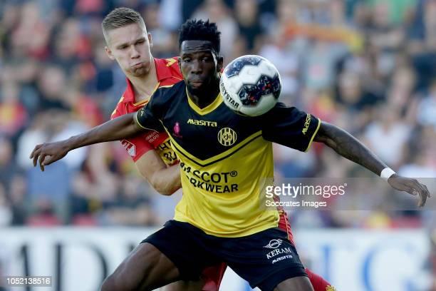 Roland Baas of Go Ahead Eagles Gyliano van Velzen of Roda JC during the Dutch Keuken Kampioen Divisie match between Go Ahead Eagles v Roda JC at the...