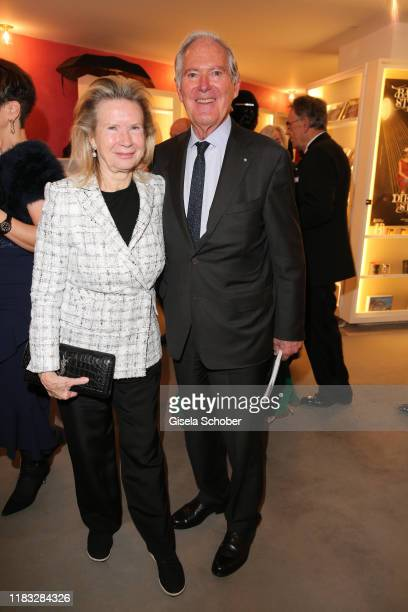 Roland Berger and his wife Karin Berger at the opera premiere of Die tote Stadt by Erich Wolfgang Korngold at Bayerische Staatsoper on November 18...