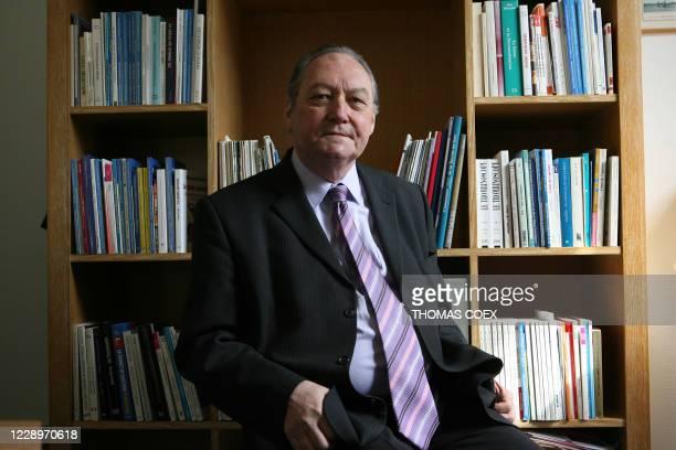 Roland Cayrol directeur de recherches à Sciences Po et directeur général de l'Institut CSA auteur notamment de Le Grand Malentendu les Français et la...