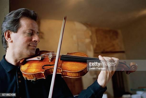 Roland Daugareil Playing a Stradivarius Violin