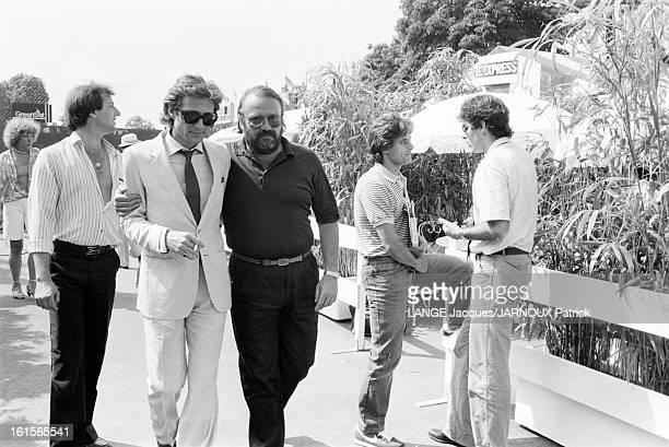Roland Garros 1982 Mai 1982 à PARIS Daniel BIASINI portant cravate et lunettes de soleil à ROLAND GARROS
