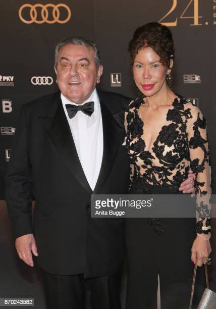 Roland Hetzer and Eva Maria Javier Delmo Walter attend the 24th Opera Gala at Deutsche Oper Berlin on November 4 2017 in Berlin Germany