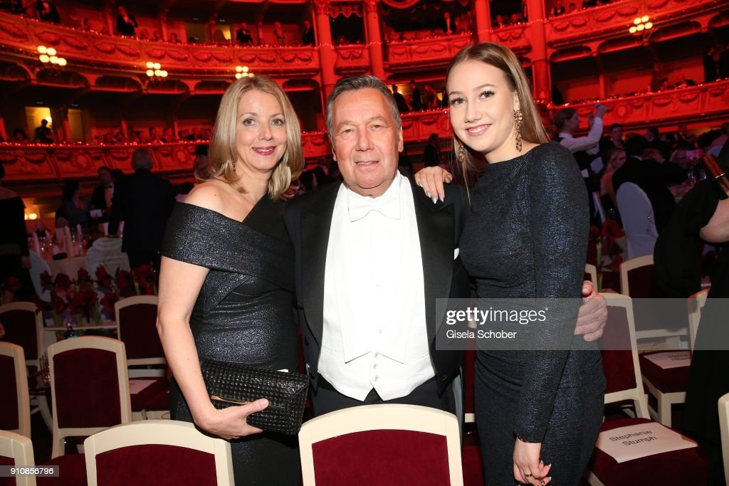 Roland Kaiser and his wife Frau Silvia (L) and their daughter Annalena (R) during the Semper Opera Ball 2018 ( Semper Opernball ) at Semperoper on January 26, 2018 in Dresden, Germany.