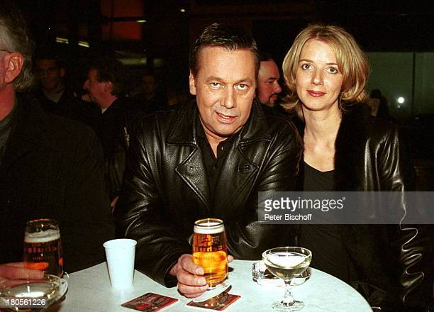 Roland Kaiser Ehefrau Silvia letzteZDFHitparade Berlin Deutschland Europa AfterShowPartyBier trinken Getränk