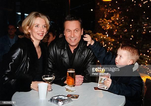 Roland Kaiser Ehefrau Silvia Sohn Janletzte ZDFHitparade Berlin Deutschland EuropaAfterShowParty Tisch Getränke