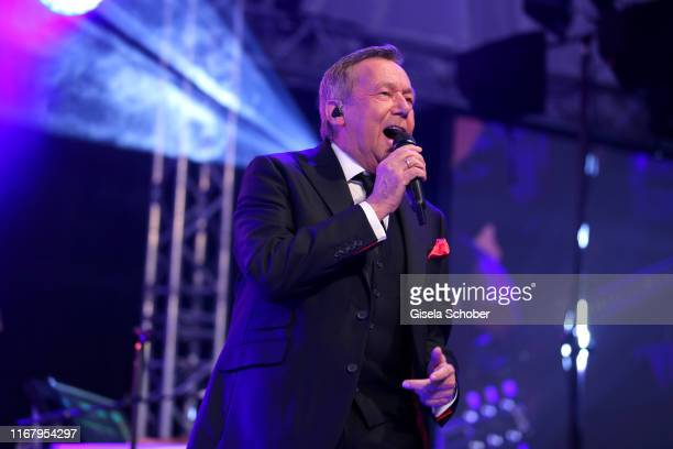 Roland Kaiser performs during the EAGLES Praesidenten Golf Cup Gala Evening on September 13, 2019 in Bad Griesbach, Germany.
