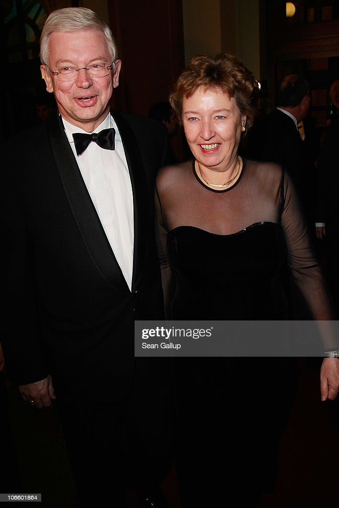 Roland Koch and his wife Anke attend the Sportpresseball 2010 at Alte Oper on November 6, 2010 in Frankfurt am Main, Germany.