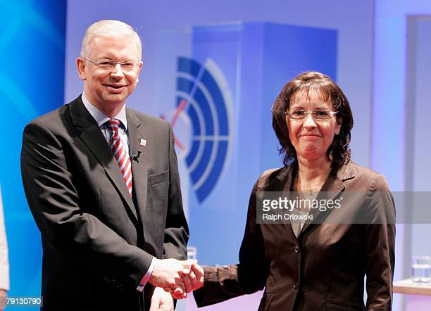 Roland Koch Governor of the German state of Hesse and chief of the Christian Democratic Party of Hesse and his challenger Andrea Ypsilanti of the...
