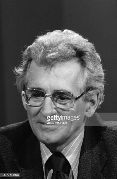 Roland Leroy lors d'un débat télévisé le 14 février 1978 à Paris France