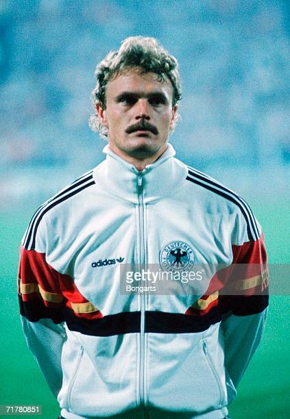 Roland Wohlfarth of Germany lines up prior to the friendly match between Germany and Spain at the Niedersachsenstadium on October 15 1986 in Hanover...