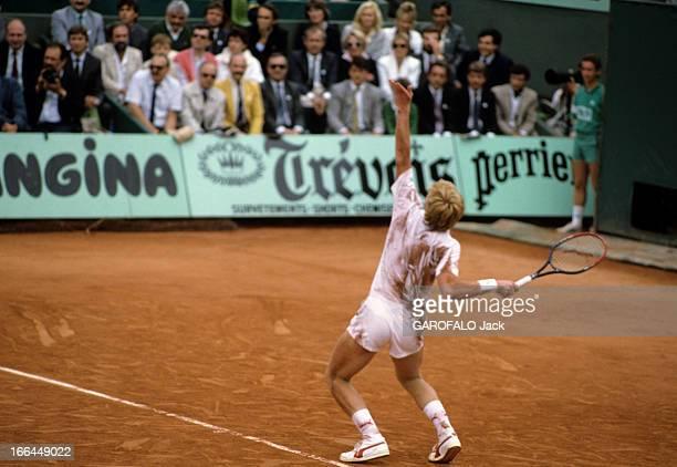 Women Final And Gentlemen Half Finale 8 juin 1987 Lors du tournoi de RolandGarros reportage sur la finale dames et la demifinale messieurs Le...