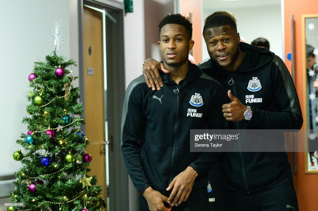 Newcastle United Players Deliver Christmas Presents to Local Hospitals