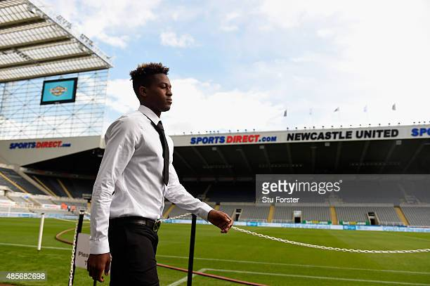 Rolando Aarons of Newcastle United arrives for the Barclays Premier League match between Newcastle United and Arsenal at St James' Park on August 29...