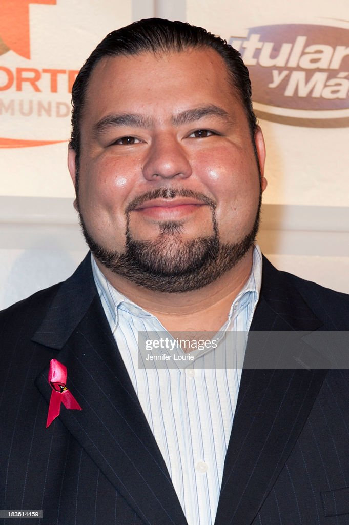 Rolando Cantu attends Deportes Telemundo's celebration of their hit show 'Titulares Y Mas' at Ebanos Crossing on October 7, 2013 in Los Angeles, California.