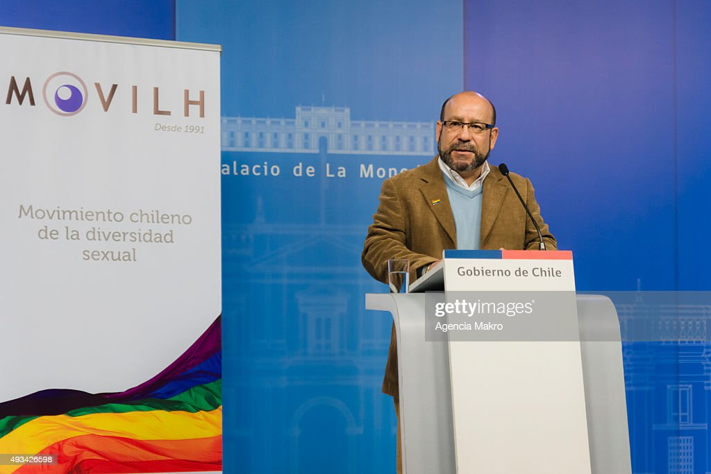 Rolando Jimenez, president of the Movement for Homosexual Integration and Liberation (Movilh) talks during the launching of the campaign of the Movement for Homosexual Integration and Liberation (Movilh) regarding Agreement on Civil Union at Palacio de La Moneda on October 20, 2015.