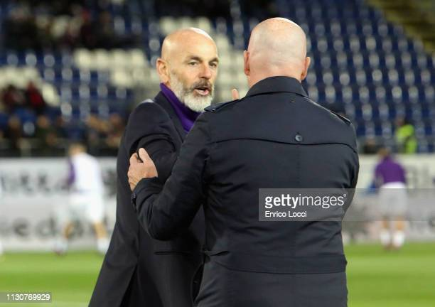 Rolando Maran Coach of Cagliari and the coach of Fiorentina Stefano Pioli during the Serie A match between Cagliari and ACF Fiorentina at Sardegna...