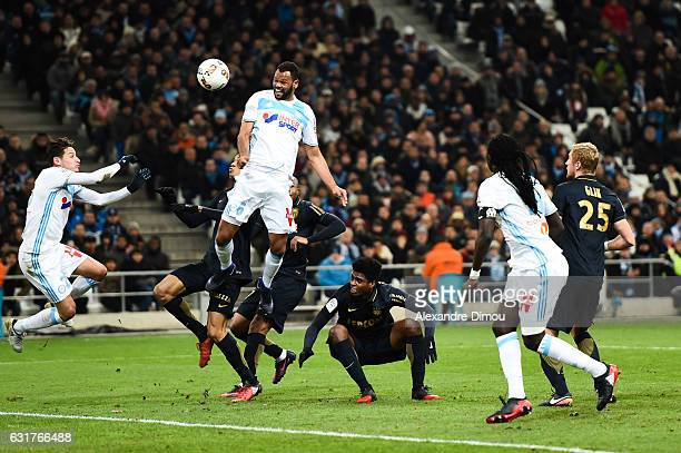 Rolando of Marseille score a goal during the Ligue 1 match between Olympique de Marseille and AS Monaco at Stade Velodrome on January 15 2017 in...