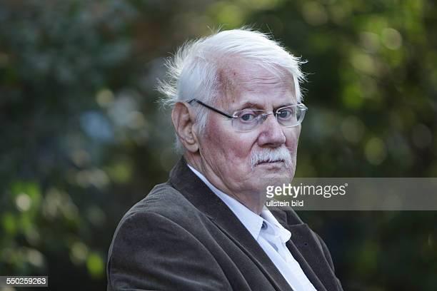 Rolf Haufs deutscher Schriftsteller fotografiert in Berlin Rolf Haufs war von 1970 bis 1996 Mitglied des PENZentrums der Bundesrepublik Deutschland...