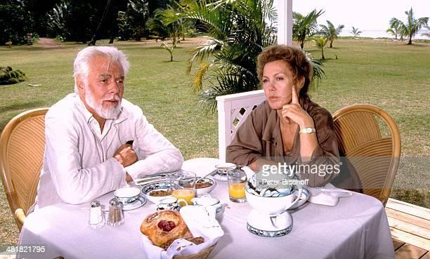 Rolf Henniger Gaby Dohm ZDFSerie Insel der Träume Folge 7 Geteilte Liebe Hawaii USA Amerika