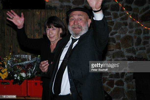 Rolf Hoppe Ehefrau Friederike Hoppe 60 Geburtstag von G u n t h e r E m m e r l i c h Weißig Theater Hoftheater Dresden Feier