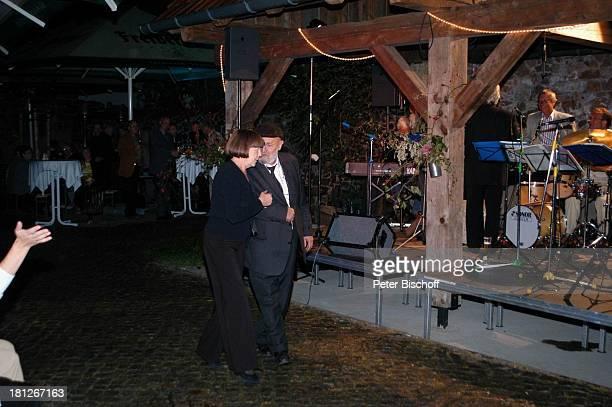 Rolf Hoppe Ehefrau Friederike Hoppe Feier zum 60 Geburtstag von G u n t h e r E m m e r l i c h Hoftheater Dresden Weißig bei Dresden Bühne...