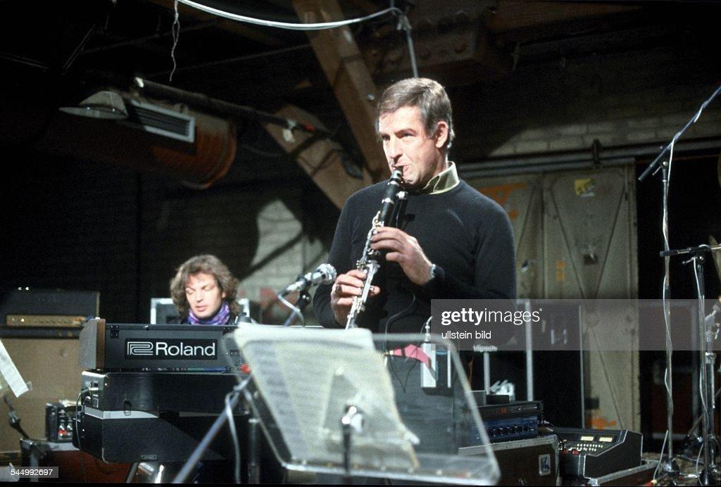 Rolf Hamburg rolf kuehn musician clarinettist jazz germany performing in