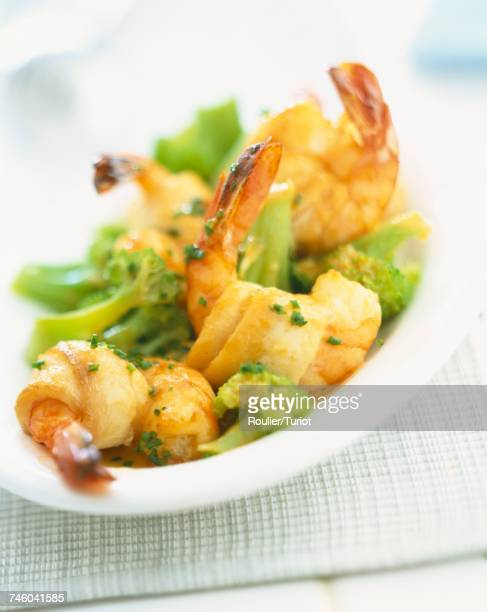 Rolled sole with prawns and broccoli