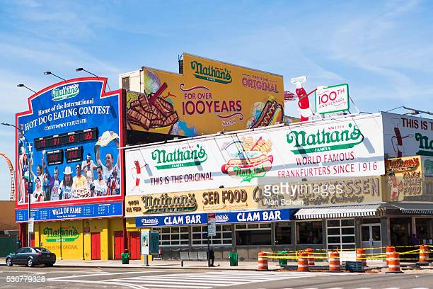 roller coaster, coney island - ブルックリン コニー・アイランド ストックフォトと画像