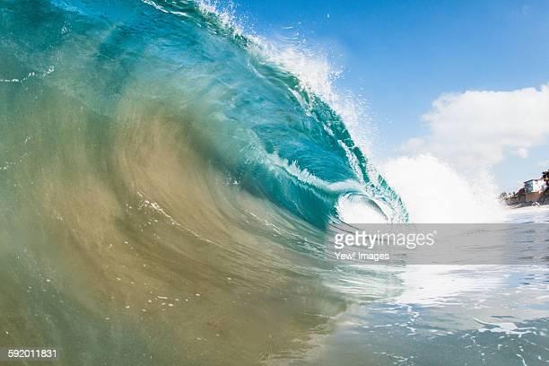 Rolling ocean wave, Encinitas, California, USA