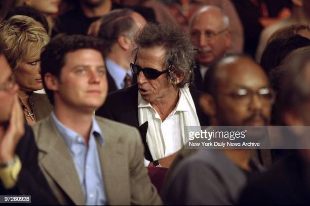 Rolling Stones guitarist Keith Richards with wife Patti Hansen at the Evander Holyfield Lennox Lewis fight at Madison Square Garden