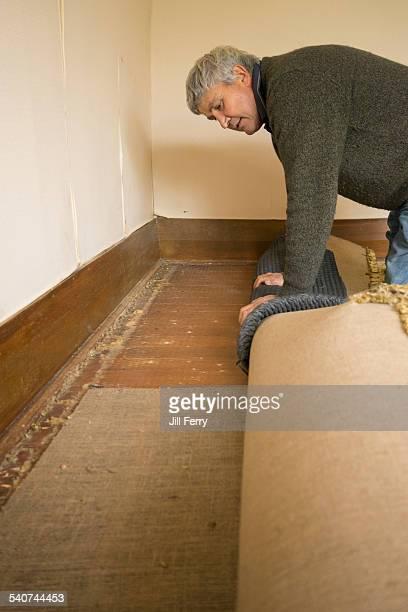 Rolling up carpet