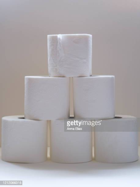 rolls of toilet paper - sold out stock pictures, royalty-free photos & images