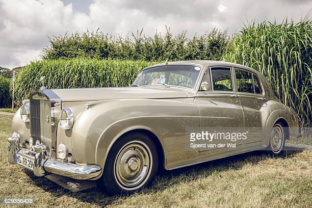 Rolls-Royce Silver Cloud I luxury saloon car