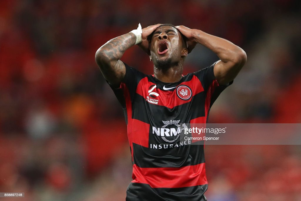 Roly Bonevacia of the Wanderers reacts to a shot at goal during the round one A-League match between the Western Sydney Wanderers and the Perth Glory at Spotless Stadium on October 8, 2017 in Sydney, Australia.