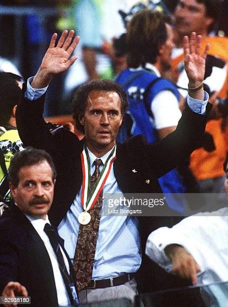 WM 1990 FINALE Rom ARGENTINIEN DEUTSCHLAND 01 TEAMCHEF Franz BECKENBAUER/GER